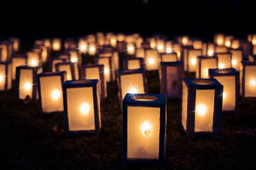 lights-1088141 ライト クリスマスの著名人 泊 暗い 装飾 休日 ランタン キャンドル 白熱 点灯